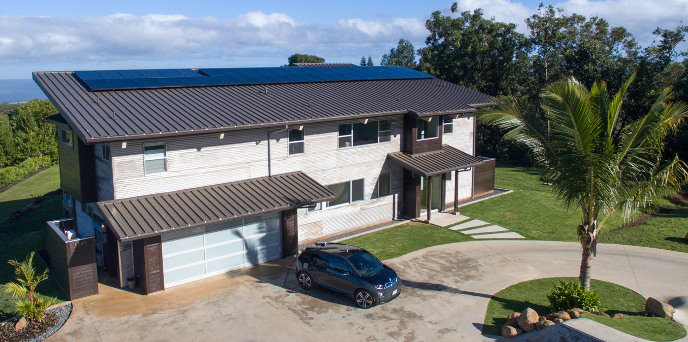 The home of Rising Sun Solar owner Brad Albert, photographed by Mike Adrian Photography in Maui, Hawaii.