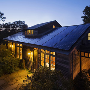 Home solar battery storage helps keep your lights on