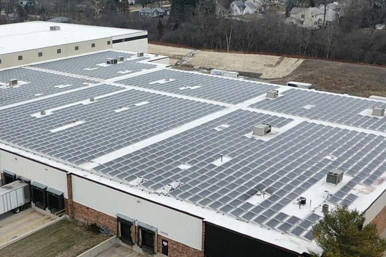 Chicagoland Beverage Distributor Steps Up for Solar