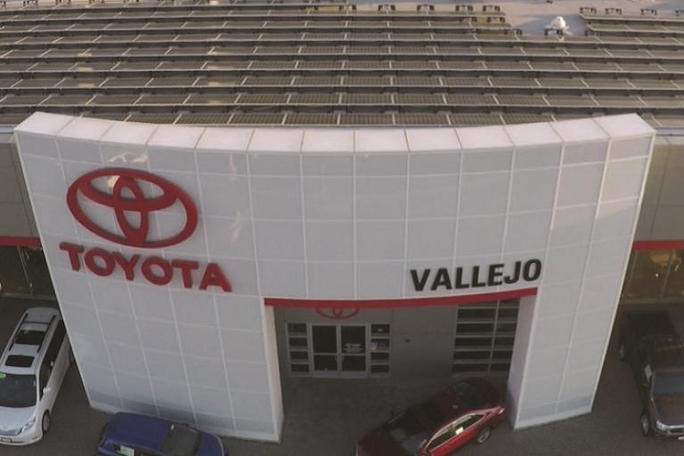 Toyota Vallejo Dealership solar roof