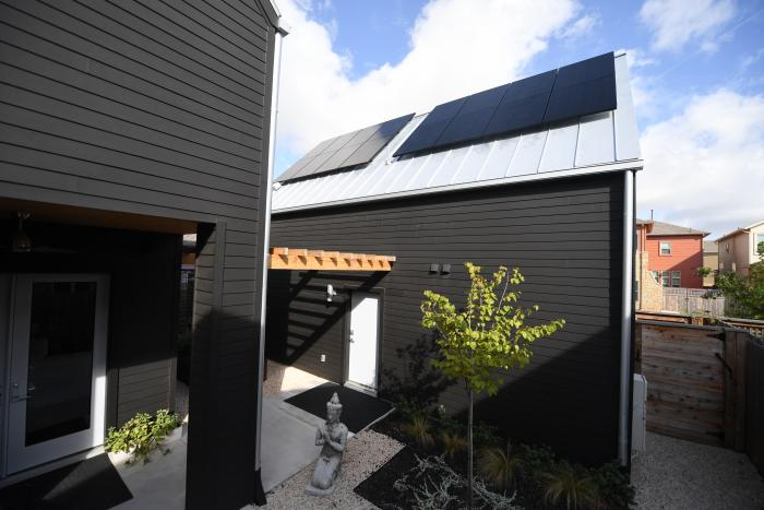 Because SunPower panels make more energy than competing panels, they're great for homes with limited roof space, such as this residence in Austin, Texas.
